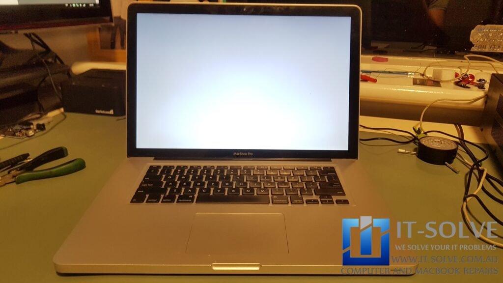 Macbook with a White Screen due to a graphic problem