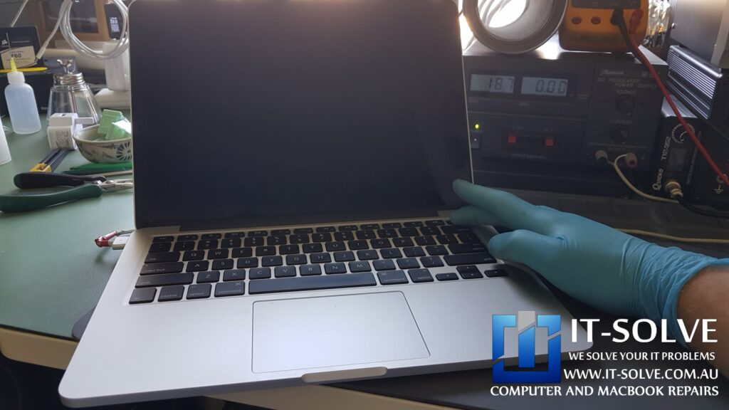 Macbook Pro not turning on after liquid damage