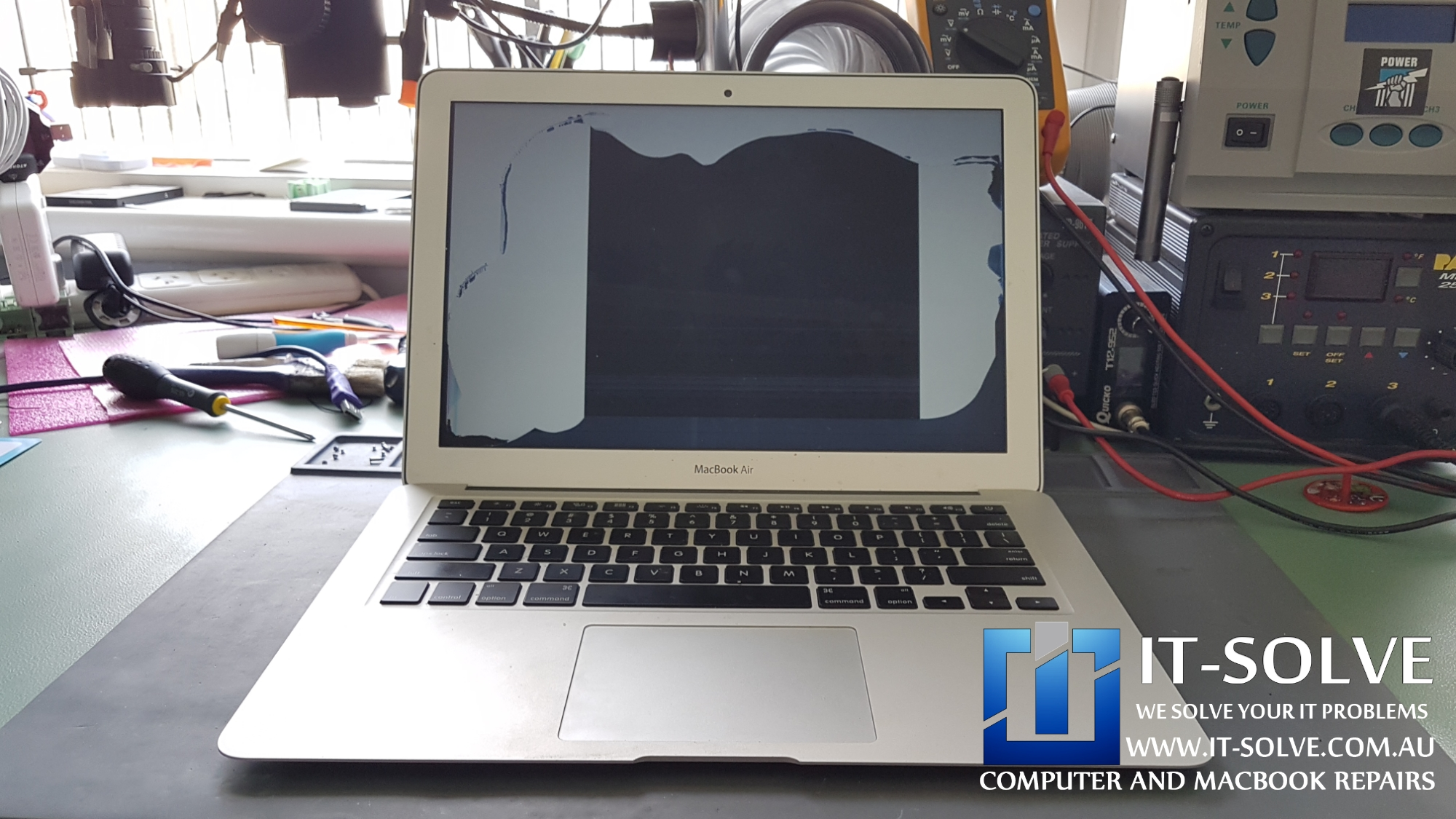 Macbook Air A1466 with a Broken Screen