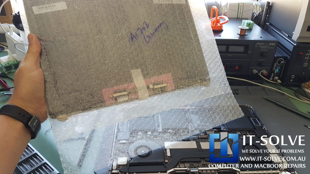 Cracked Macbook Pro A1707 Screen Replacement