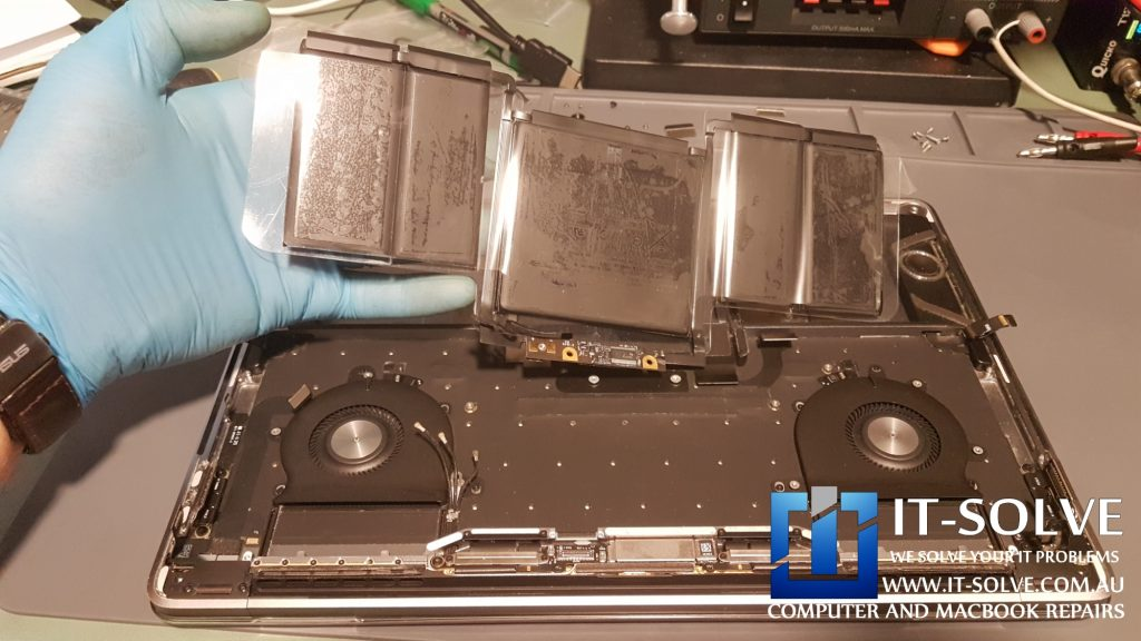 Fitting Genuine battery on Macbook Pro A1706