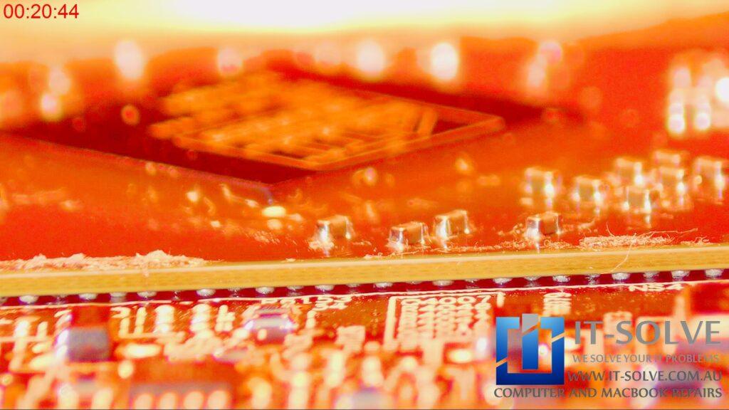 Reflowing Macbook Pro Graphic chip under infrared heat
