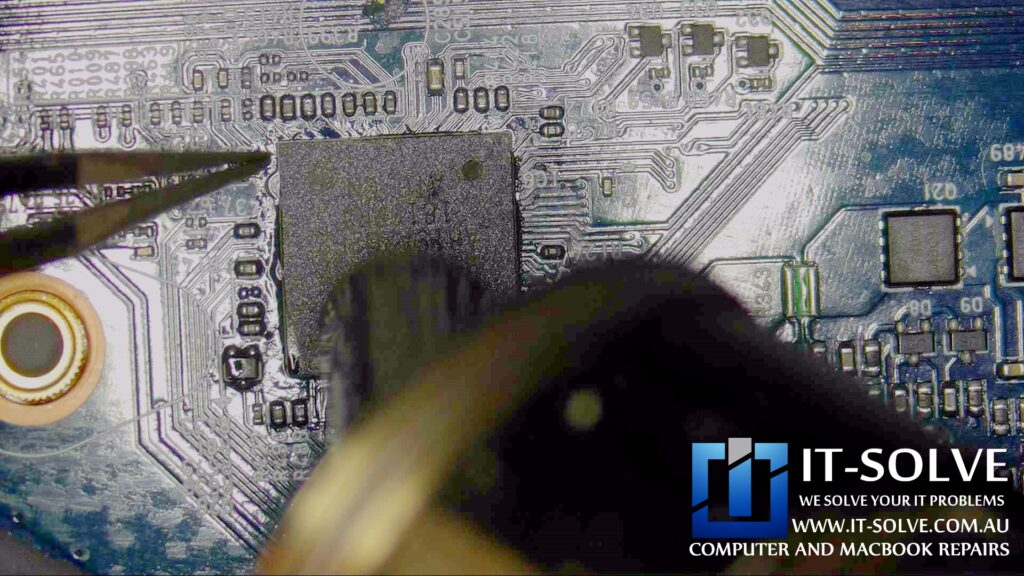 Cleaning under a BGA chip using hot air station and a quality flux - LG Gram  Laptop Repair